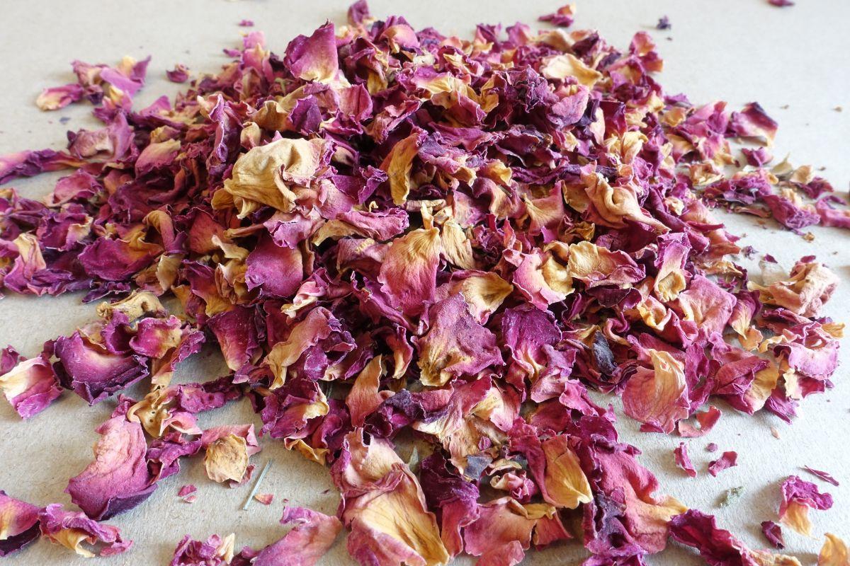 Růže okvětní plátky 1000 g